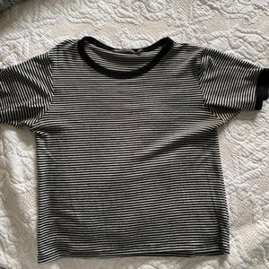 Brandy Melville Striped T-Shirt (black and White)